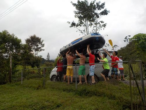 Balsa rafting Costa Rica