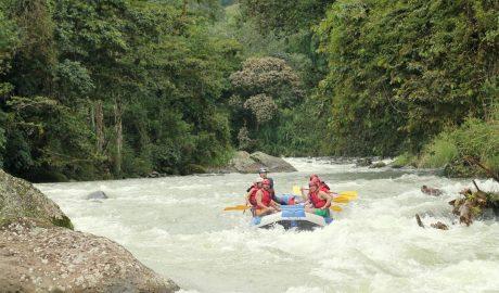 Guía de ríos para hacer rafting en Costa Rica | 18 increíbles ríos