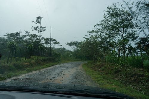 Carretera entre Bijagua y Rio Celeste - Costa Rica