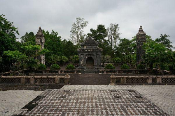 Dong Khanh Tomb, Hue - Ruta en Moto por los Mausoleos