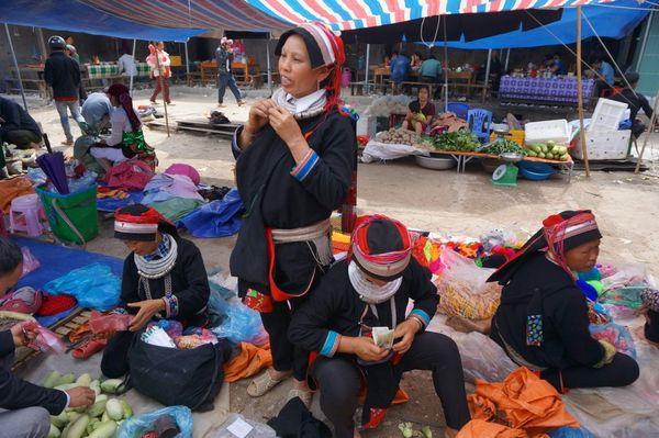 Quan Ba Market - Vietnam