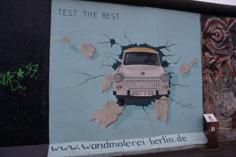 Trabant - East Side Gallery | Berlin