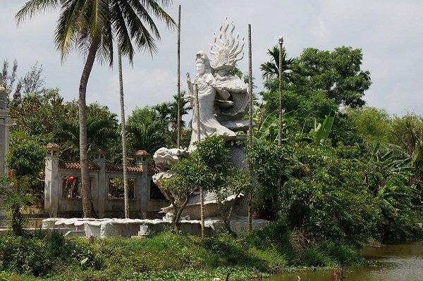 Templo Budista en la isla Cam Kim - Hoi An