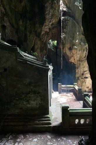 Dentro de una de las cuevas de las Marble Mountains | Vietnam