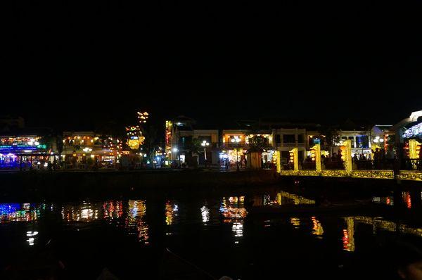 Vistas de Hoi An nocturnas, Vietnam
