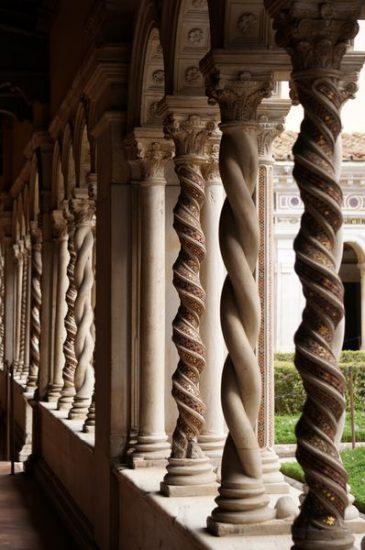 Basílica de San Pablo Extramuros, columnas del claustro - Roma