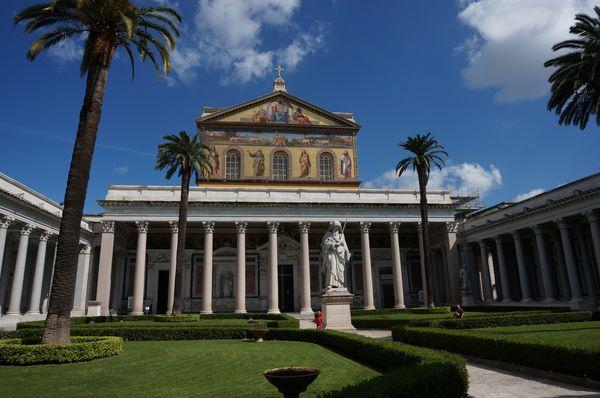 Basílica de San Pablo Extramuros, exterior - ¿Qué iglesias visitar en Roma?
