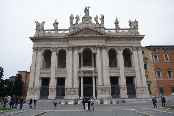 Archibasílica de San Juan de Letrán, exterior | Qué iglesias visitar en Roma