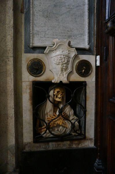Basílica de Santa María del Popolo, detalle del interior (esqueleto) - Roma