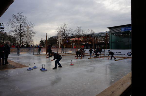 Pista de curling en Colonia | Mercados de Navidad