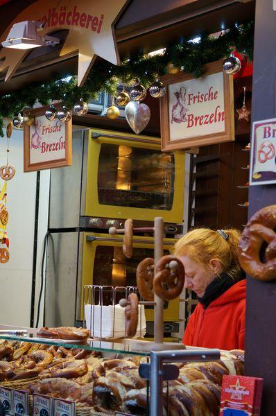 Mercado Navidad Colonia | Puesto de Brezeln