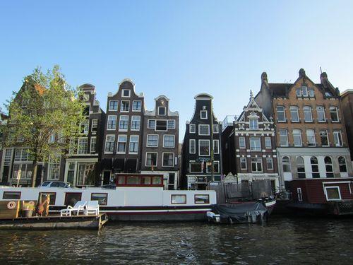 Dancing Houses | Que hacer y que no en Amsterdam